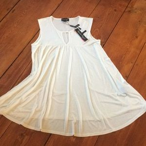 Charlie Paige chemise top P/M cream colored